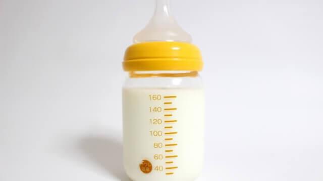 赤ちゃん用のミルク